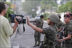 Militares golpistas em Honduras restringem trabalho da imprensa. AFP <span class=